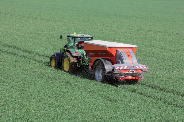 Kuhn-FertSpreaders-2019.jpg