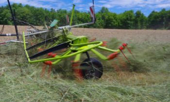 CroppedImage350210-Claas-Volto800TH.jpg