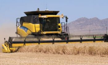 CroppedImage350210-NH-Combines-2014CR-series.jpg